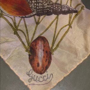 Authentic Gucci seashell scarf. Ladybird.